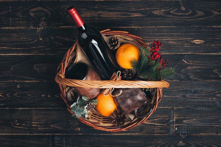 cadeau geschenkmand met wijn